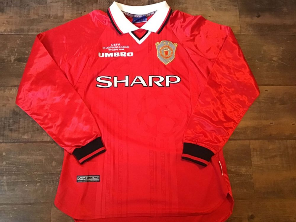 Global Classic Football Shirts | 1999 Manchester United Vintage Old Soccer Jerseys